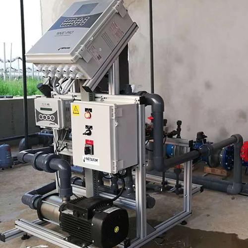 施肥控制一体机器