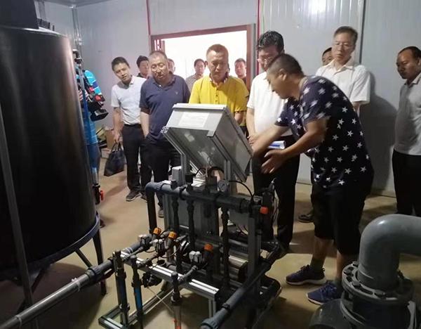 2019年8月17日:甘肃省农村农业厅李旺泽厅长参观了我方实施的临洮县孙家村水肥一体化项目